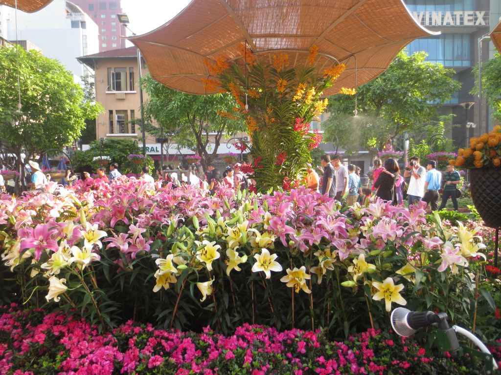 Nguyen Hue Flower Street 1