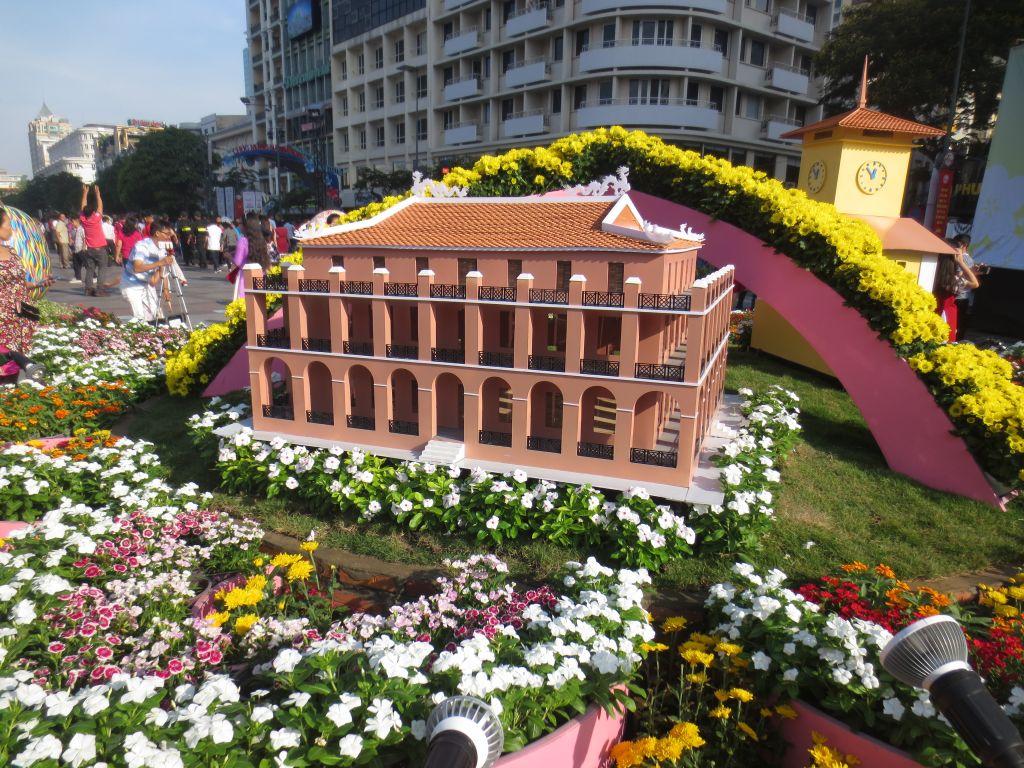 Nguyen Hue Flower Street 2